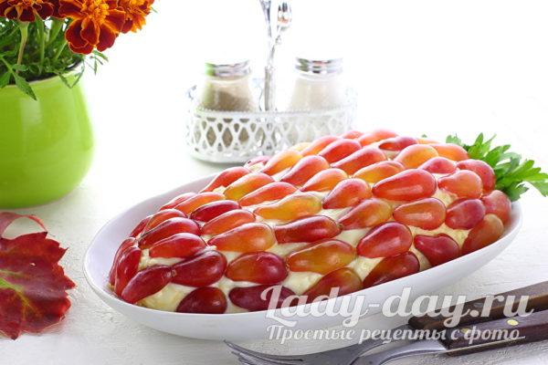Салат «Гроздь винограда» рецепт с курицей