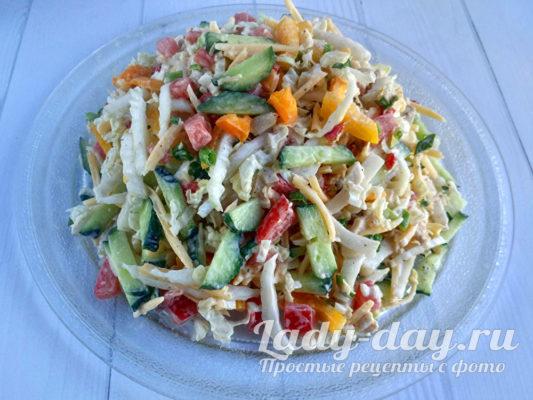Красиво выложить салат на блюдо