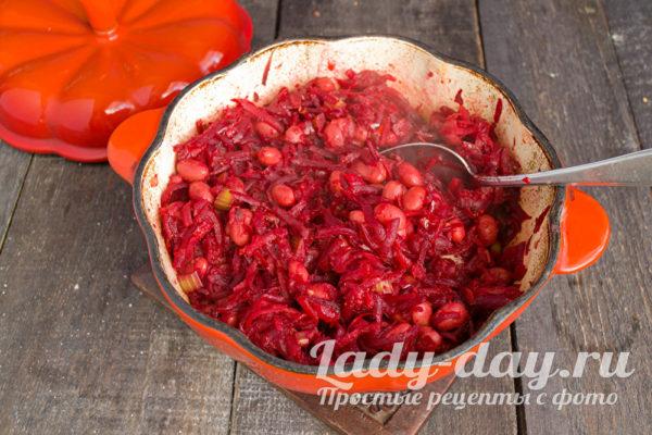 Залить томатным пюре
