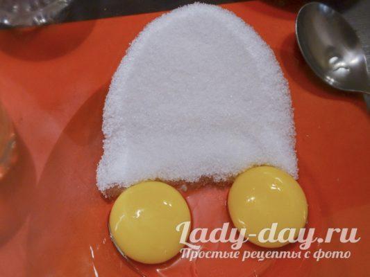 сахар и яйца