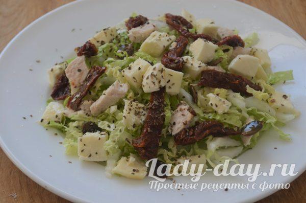 Салат из китайской капусты с сыром