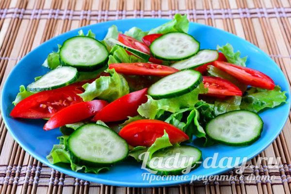 огурцы и помидо