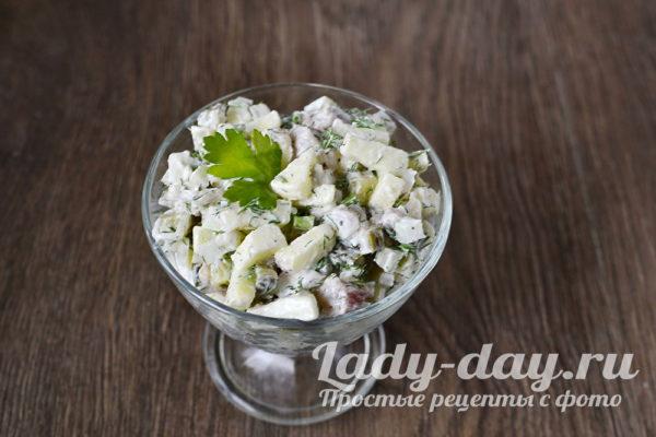 салат в креманке