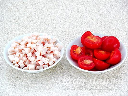 помидоры и ветчина