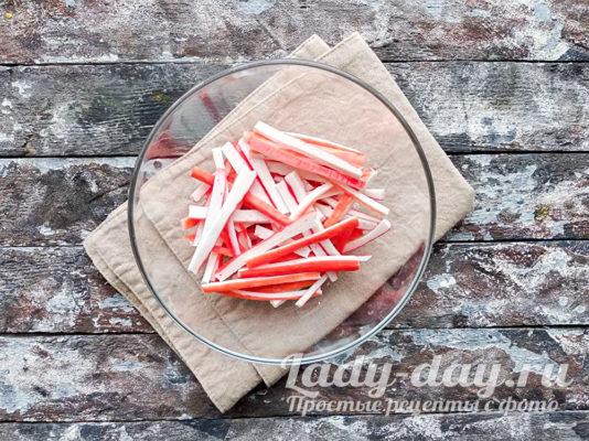 нарезанные соломкой палочки