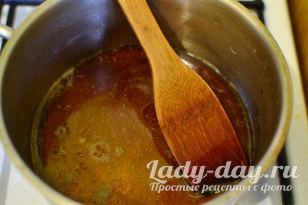Добавить соевый соус
