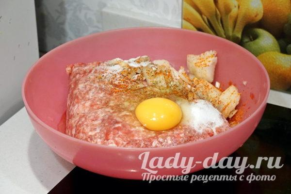 фарш и яйцо