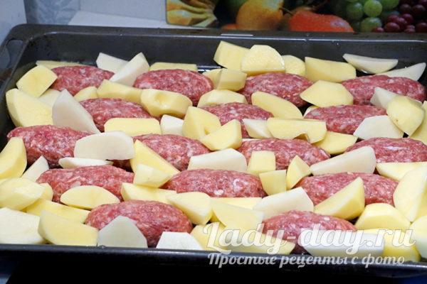 котлеты и картошка