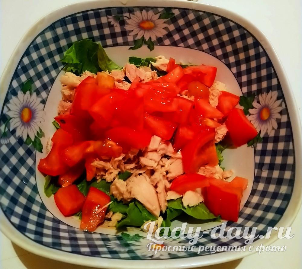 помидор в миске