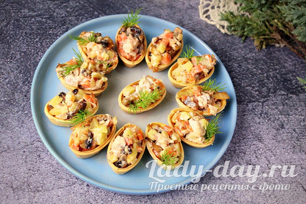 Тарталетки с начинкой, рецепт с курицей и грибами