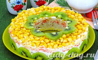 салат с кукурузой консервированной и курицей