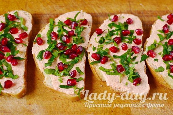 украсить бутерброды зернами граната