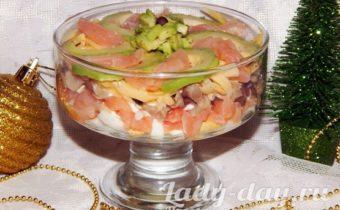 Салат с авокадо и красной рыбой рецепт с фото