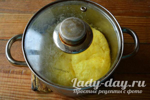 готовим омлет в кастрюле