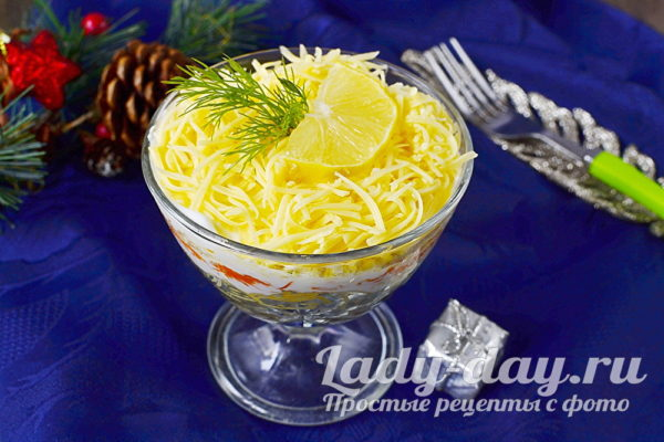 салат со шпротами и сыром