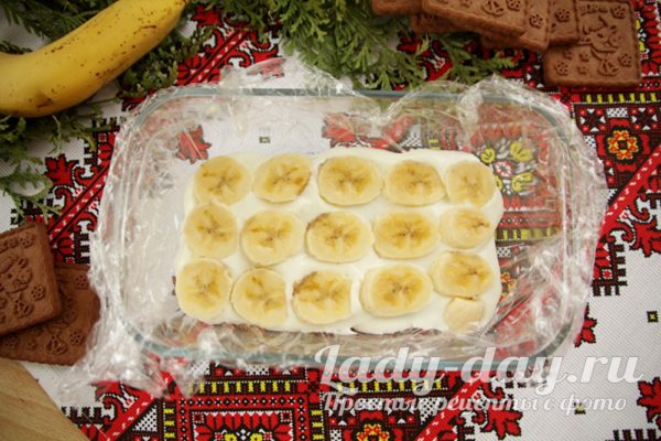 выложить банан