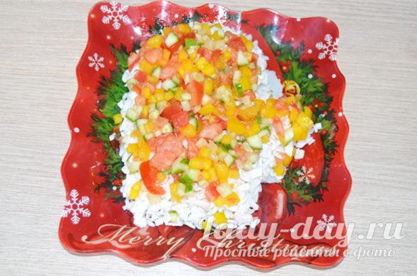 выложить слой овощей