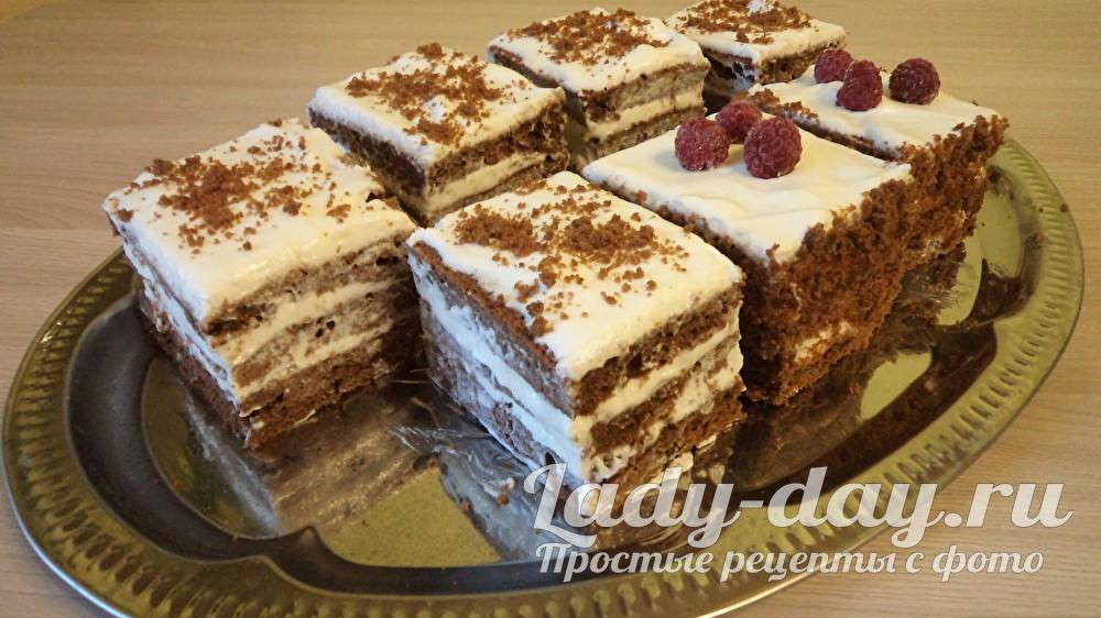 Бисквитные пирожные с кремом, рецепт
