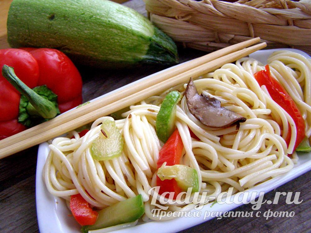 макарон в мультиварке с овощами