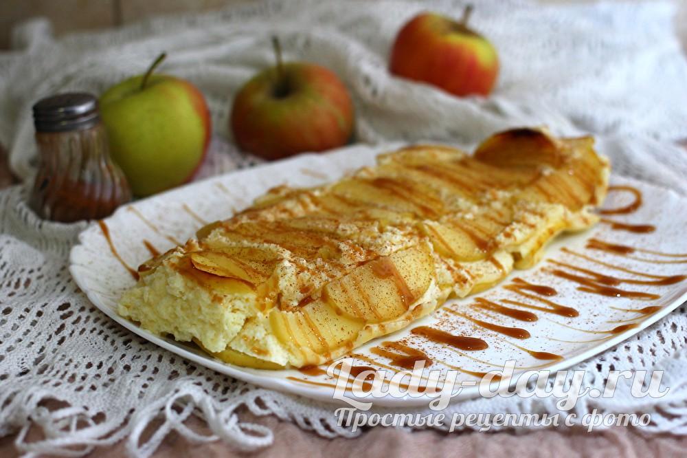 Творожная запеканка с яблоками в духовке