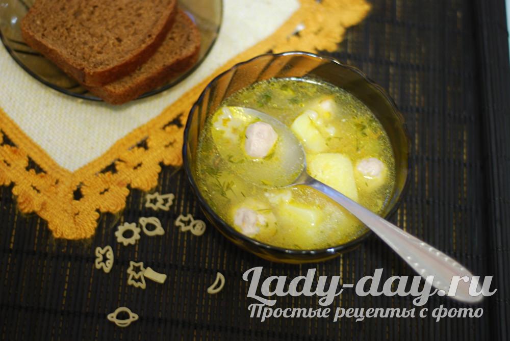 Суп с тефтелями и вермишелью