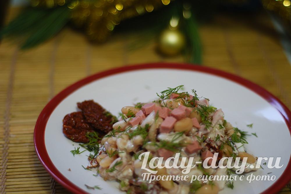 Салат с фасолью и колбасой, рецепт с фото очень вкусный