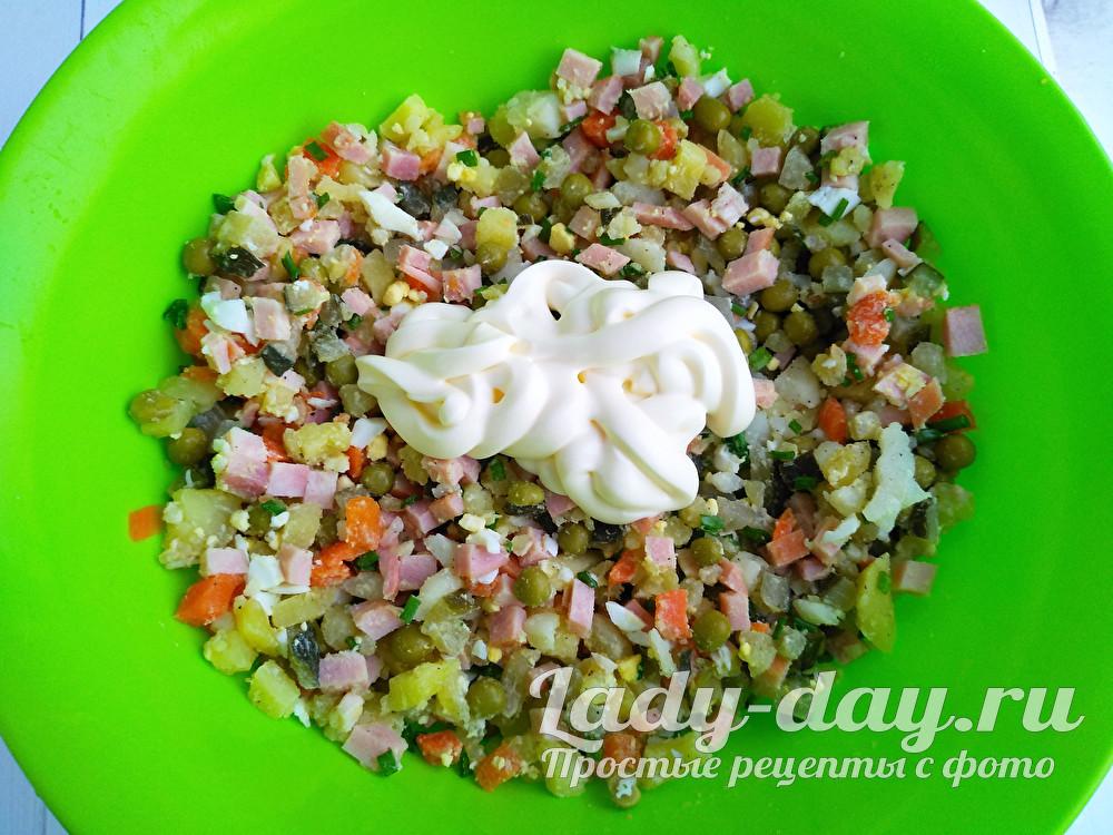 майонез и салат