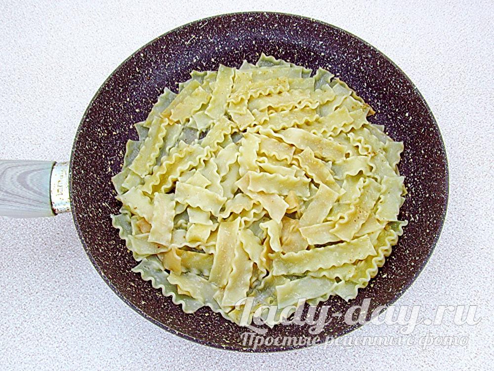 лапша на сковороде