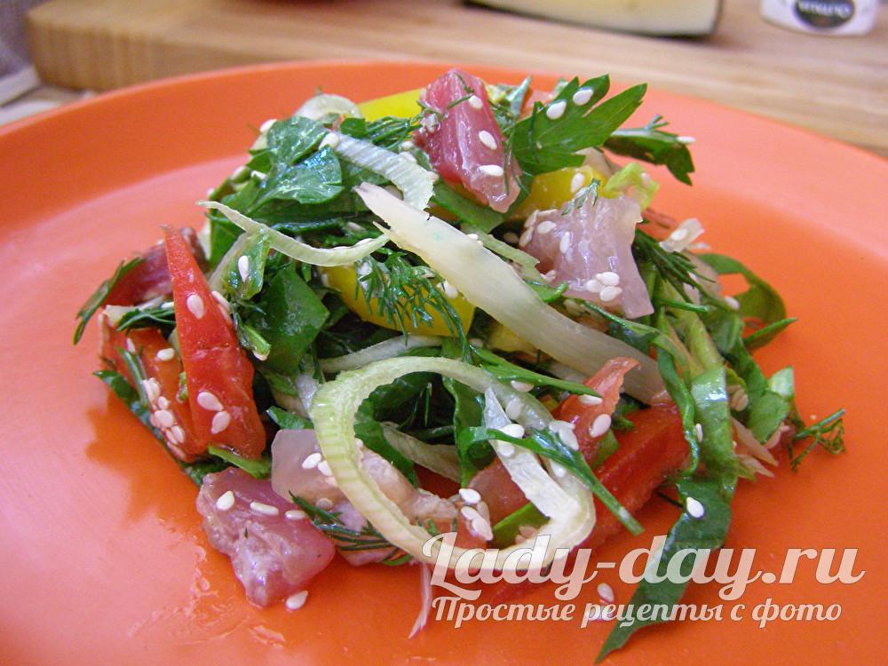 Салат с соленой рыбой - рецепт с фото
