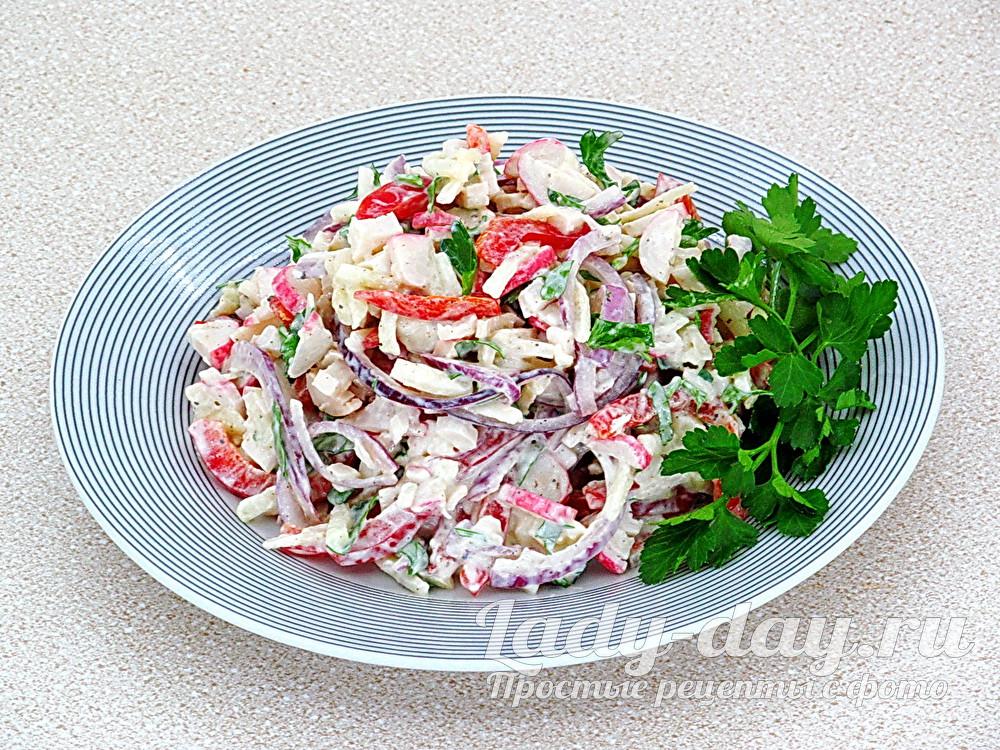 Салат с крабовыми палочками и яблоками, рецепт с фото