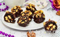 Чернослив с грецким орехом в шоколаде, в домашних условиях