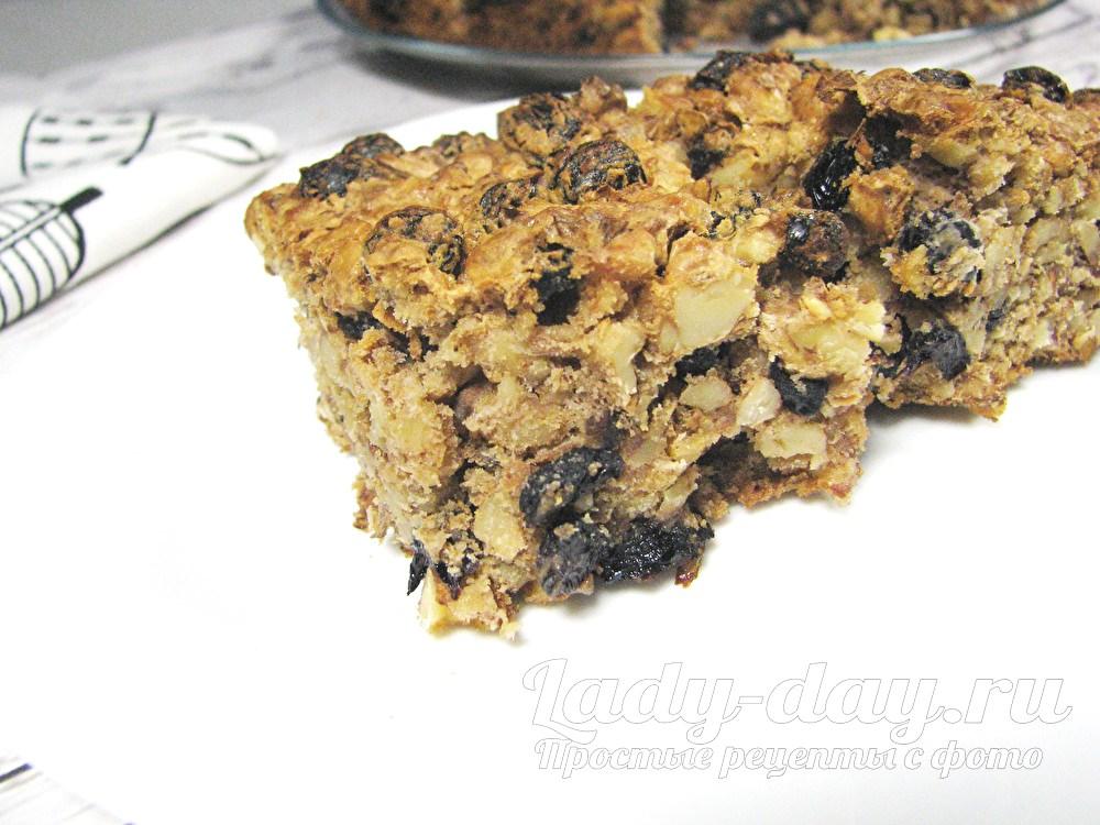Пирог Мазурка с орехами и изюмом, рецепт с фото