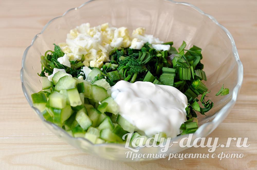 салат с крапивой