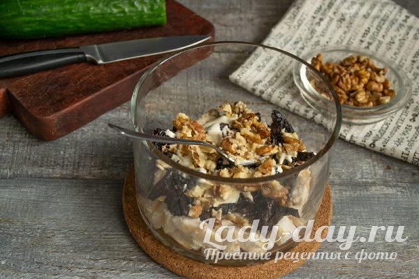слой грецких орехов