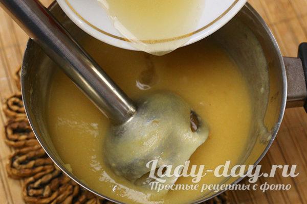 смешиваем пюре и желатин