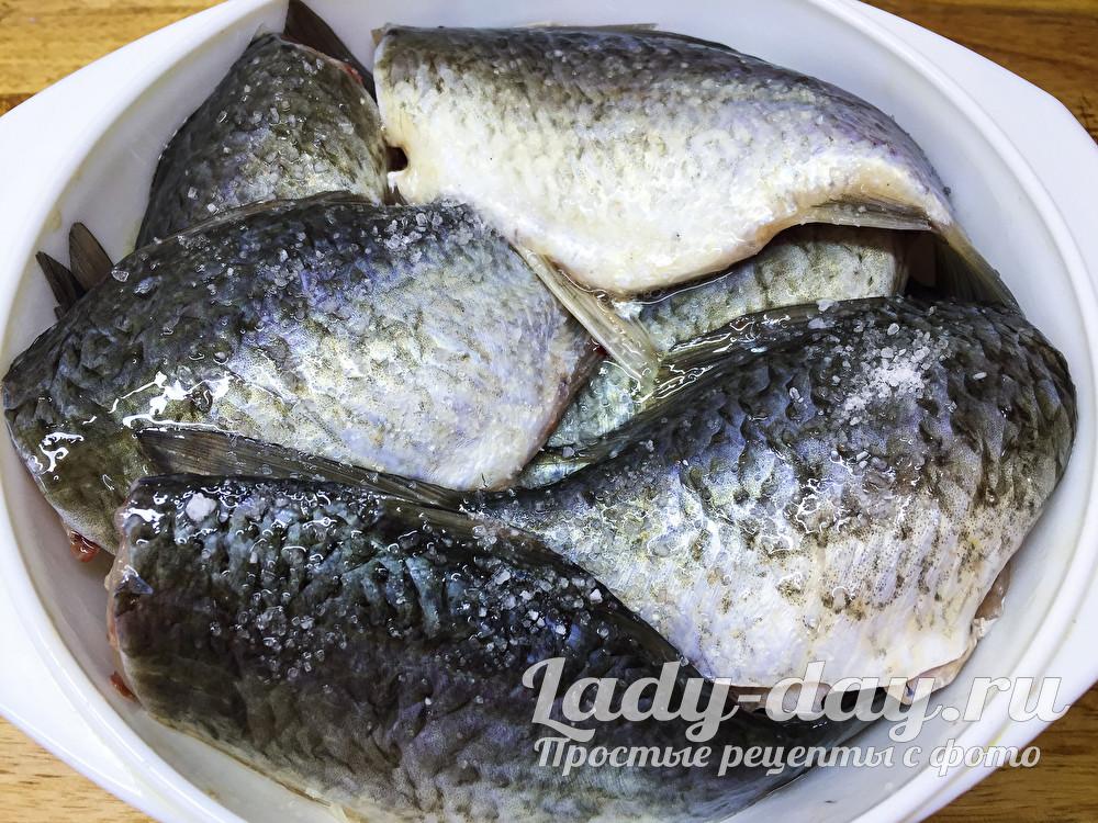 посолить рыбу
