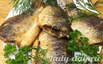 Жареные карасики с хрустящей корочкой, на сковороде