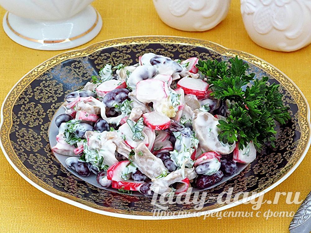 Салат из крабовых палочек и фасоли фото