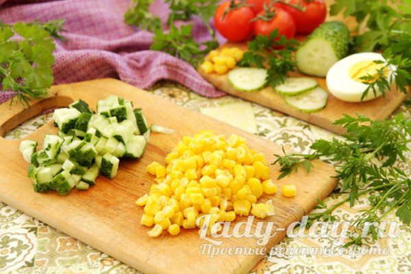 огурец и кукуруза для салата