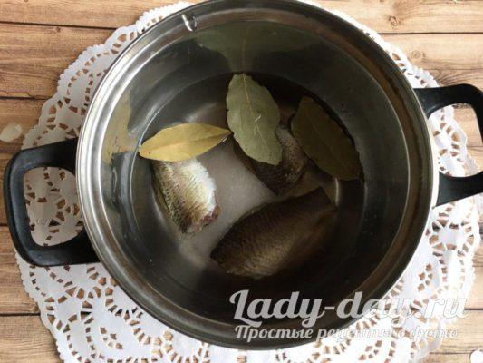 варим рыбный бульон