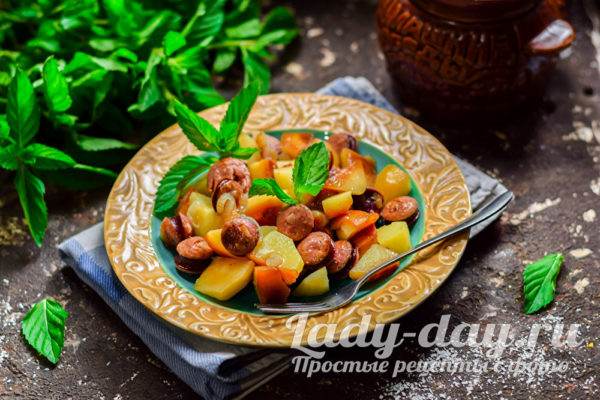 запеченный картофель с колбасой