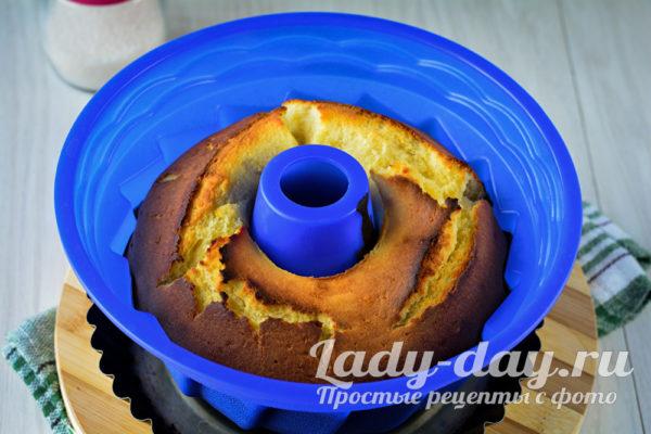 остужаем готовый кекс