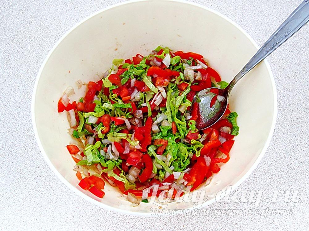 салат из овощей и селедки