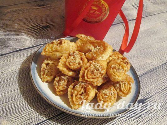 сладкий десерт с медом