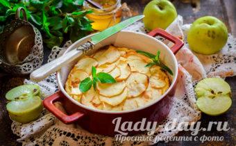 Творожно-яблочная запеканка в духовке