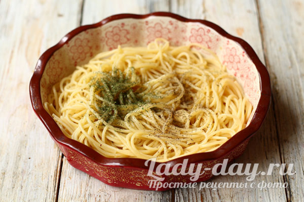 выкладываем спагетти