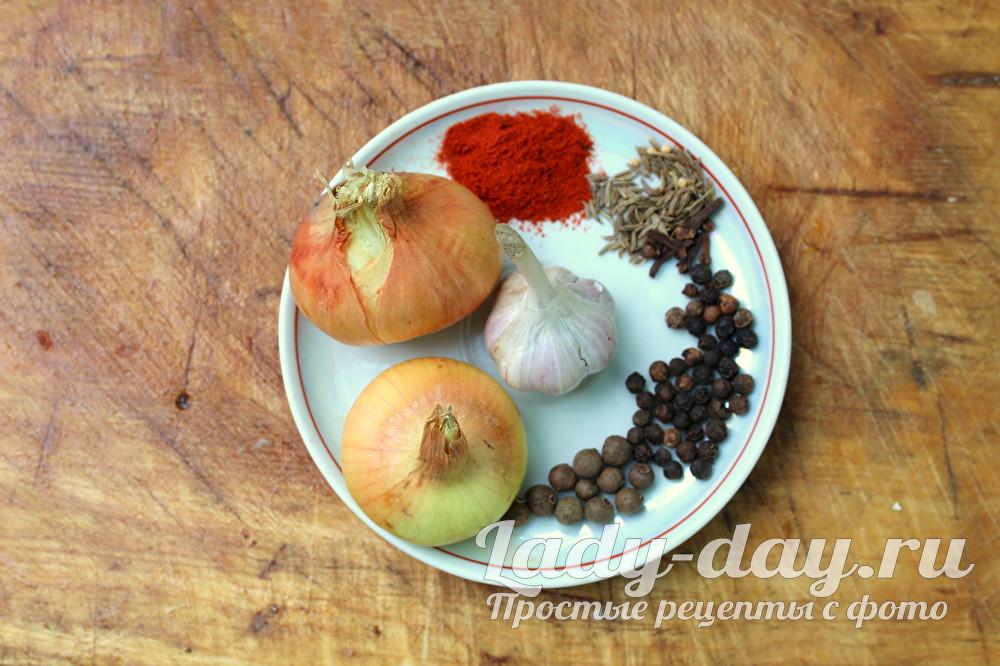 лук чеснок и специи