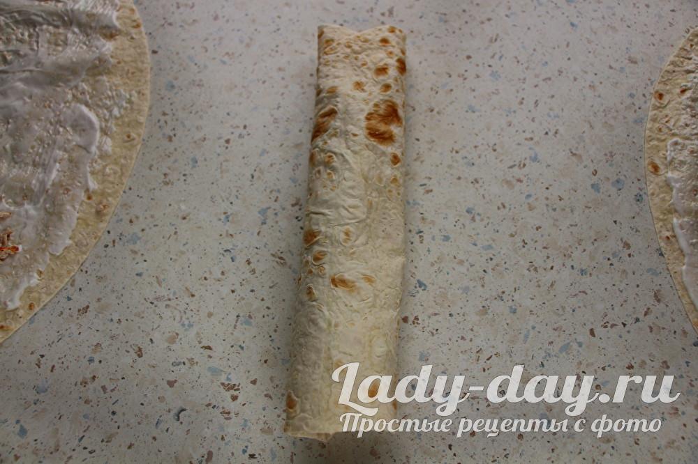 Домашняя шаурма в лаваше с курицей, пошаговый рецепт