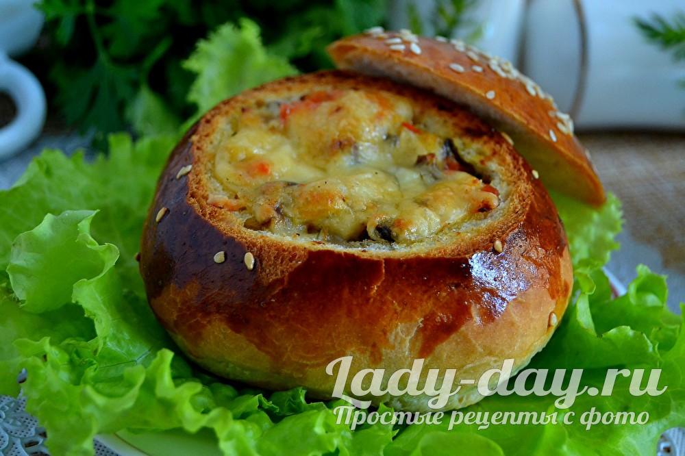 жульен в булочке с курицей и грибами  фото в духовке