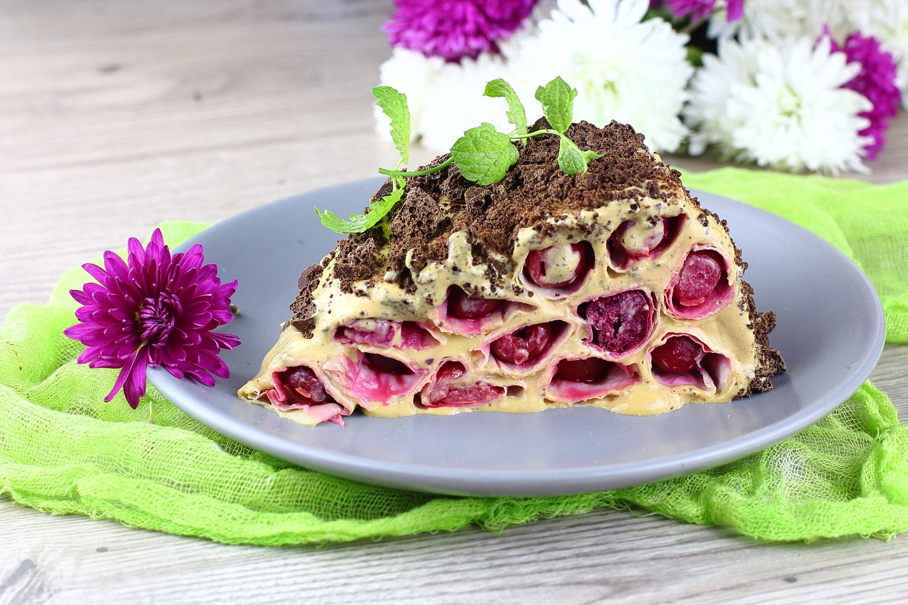 торт без выпечки из лаваша с вишней